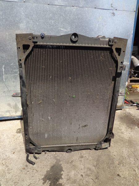 radiatore di raffreddamento motore per camion DAF 65CF