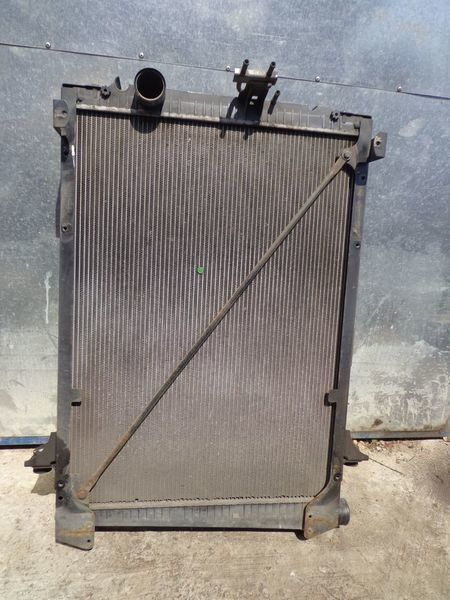 radiatore di raffreddamento motore per camion DAF CF