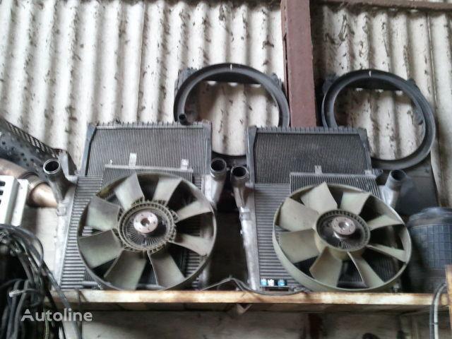 radiatore di raffreddamento motore per trattore stradale RENAULT MAGNUM