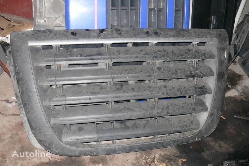 rivestimento  Reshetka perednyaya E-5 per trattore stradale DAF