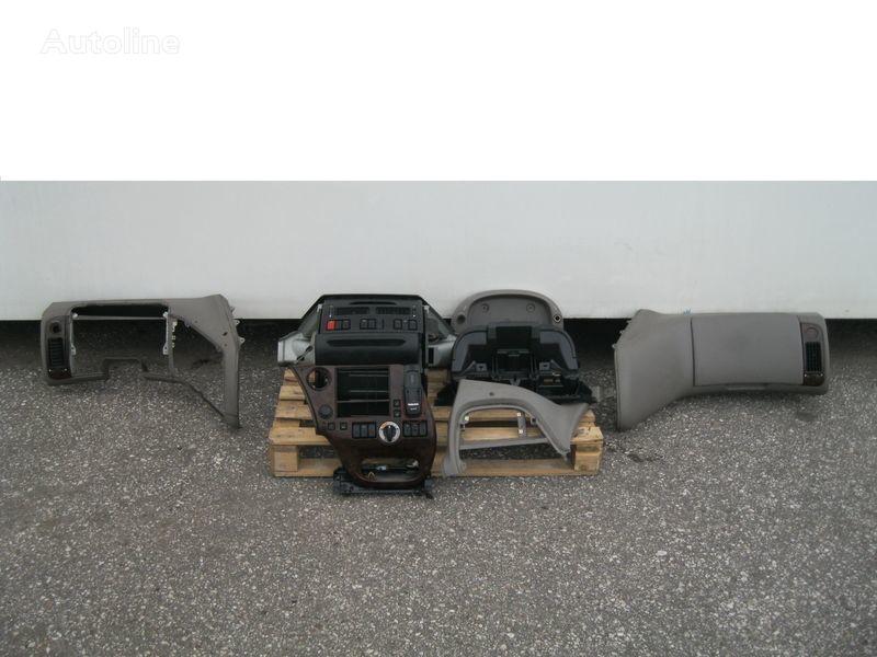 rivestimento  WYPOSAŻENIE WNĘTRZA KABINY SSC per trattore stradale DAF XF 105