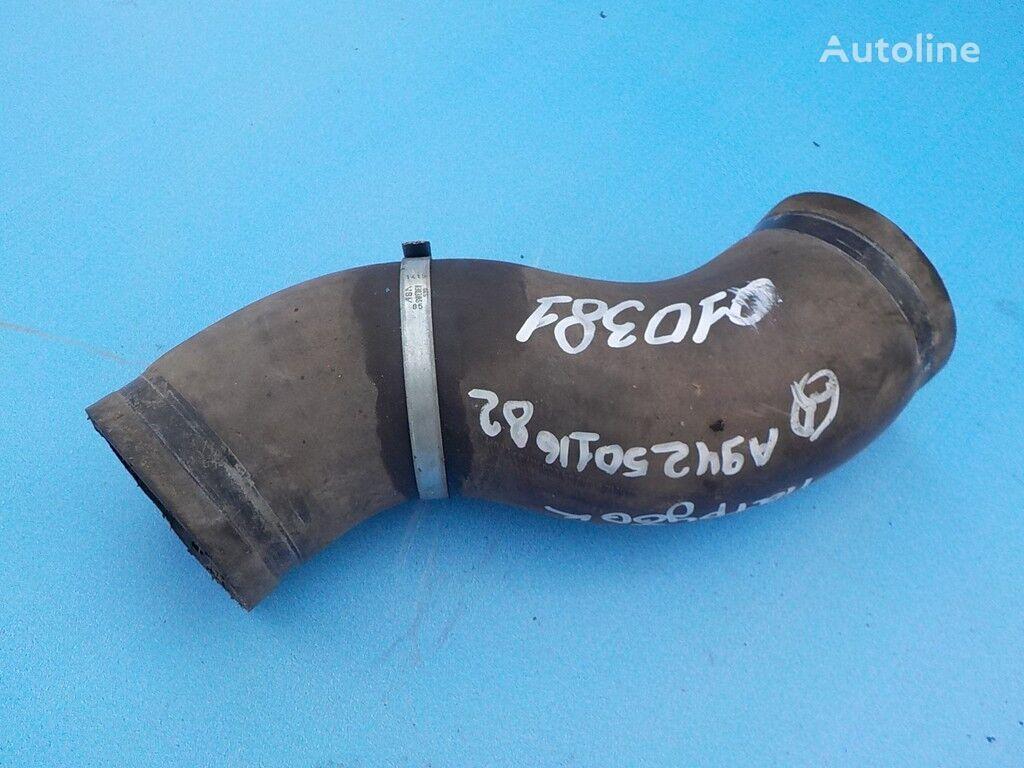 tubo di raffreddamento  radiatora per camion MERCEDES-BENZ