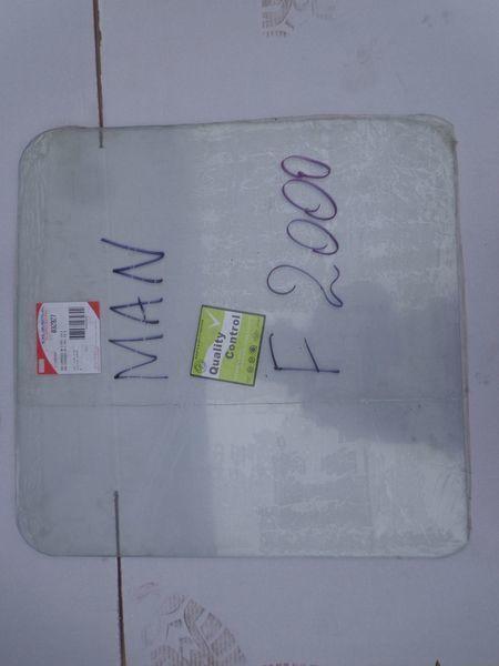 vetro  podemnoe per trattore stradale MAN  19, 26, F2000 nuovo