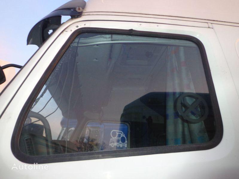 vetro per trattore stradale VOLVO FH