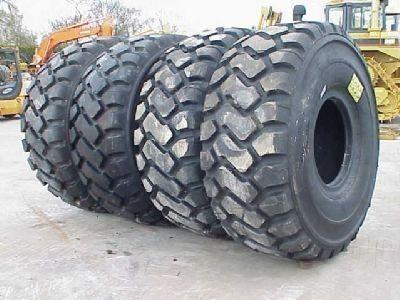 pneumatico per caricatore frontale Michelin 26.50- 25.00 nuovo