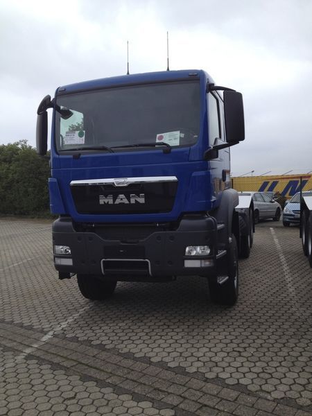 trattore stradale MAN TGS 33.480, 6x6, EUR 3 nuovo