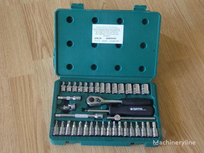 utensile per manutenzione veicolo Zestaw 38 cz. klucze nasadowe 1/4