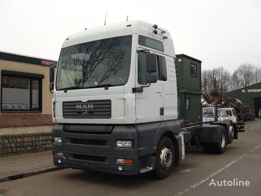 camion telaio MAN 26.460