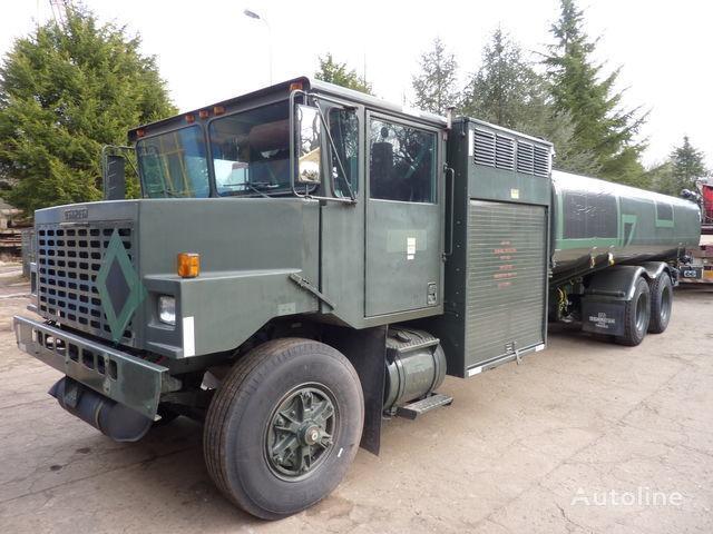 camion trasporto carburante Oshkosh aircraft refueler