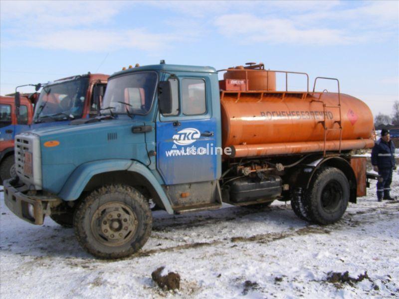 camion trasporto carburante ZIL 4310