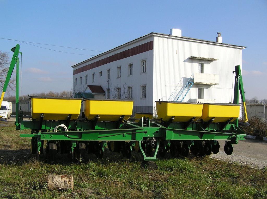seminatrice meccanica di precisione JOHN DEERE 7000 8 ryadnaya