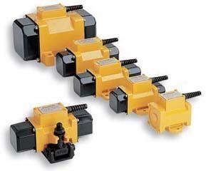 altre macchine edili DYNAPAC Ploshchadochnyy naruzhnyy vibrator