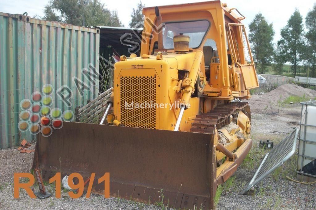 bulldozer CATERPILLAR D 4