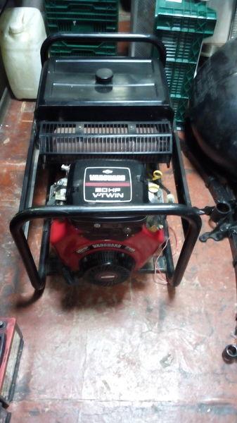generatore SDMO Briggs&Stratton Vanguard 570ccm 20HP V Twin