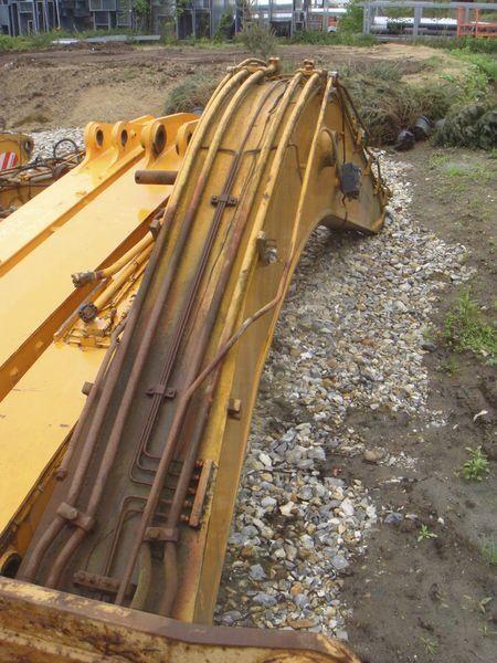 braccio HYUNDAI per escavatore HYUNDAI R130 LC