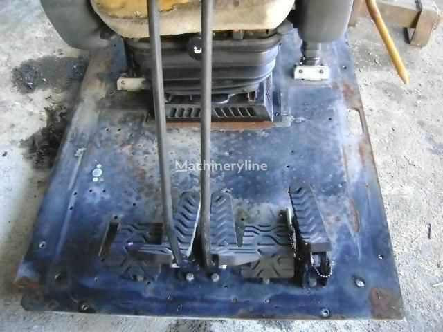cabina CATERPILLAR per escavatore CATERPILLAR Serie D