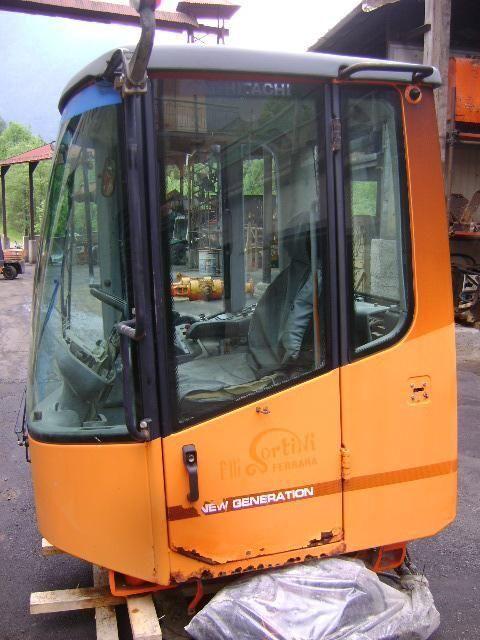 cabina FIAT-HITACHI per pala gommata FIAT-HITACHI W 230