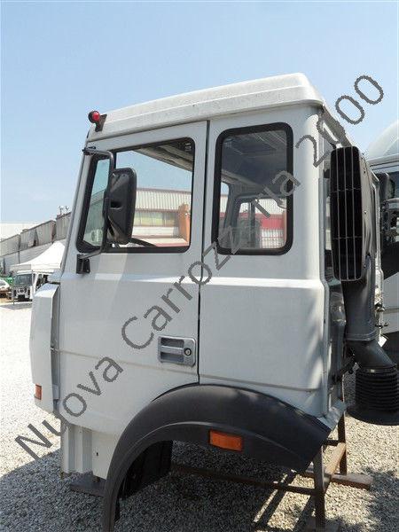 Vendita di cabine iveco 330 35 ultima serie per camion in for Cabine di noleggio in big bear ca