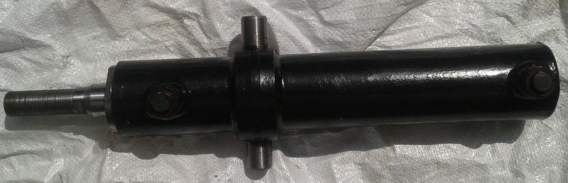 cilindro idraulico LVOVSKII rulevogo upravleniya per carrello elevatore LVOVSKII nuovo