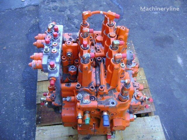 distributore idraulico FIAT-HITACHI per escavatore FIAT-HITACHI