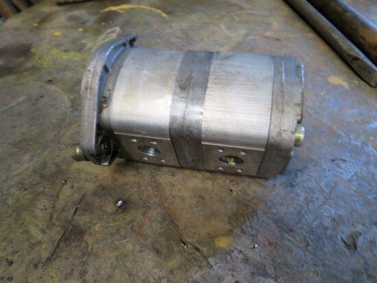 pompa idraulica CASE per escavatore CASE 788P