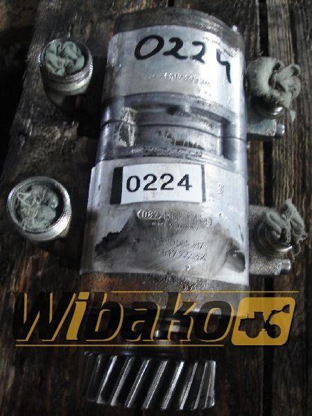 pompa idraulica Hydraulic pump Bosch 0510565317/1517222364 per escavatore 0510565317/1517222364