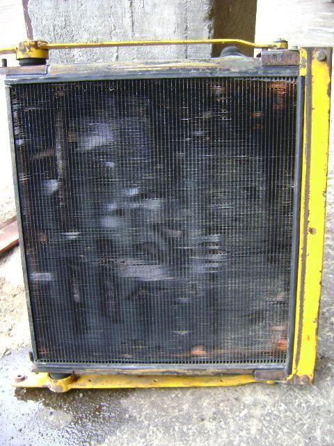 radiatore di raffreddamento motore VOLVO per pala gommata VOLVO 4400