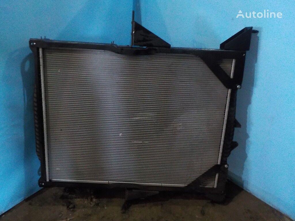 radiatore di raffreddamento motore VOLVO NISSENS per camion VOLVO