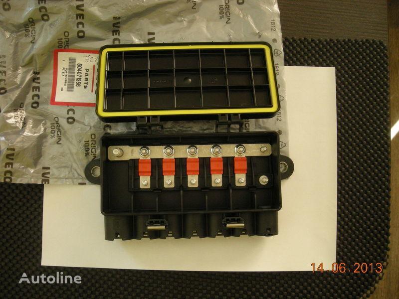 scatola dei fusibili IVECO 504071256 41221026 per trattore stradale IVECO nuova