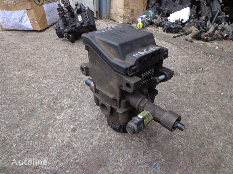 valvola RENAULT Bosch per trattore stradale RENAULT Magnum