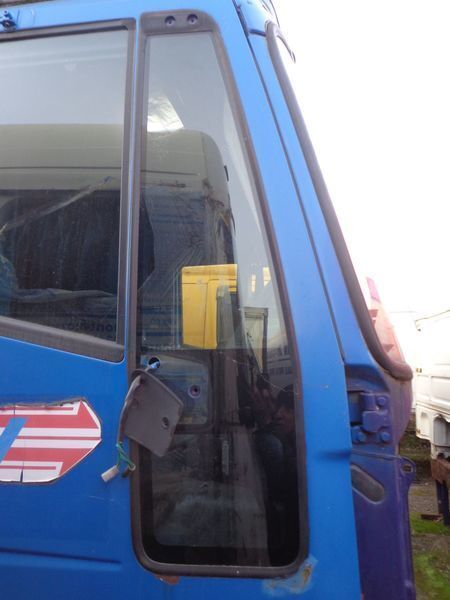 vetro IVECO nepodemnoe per trattore stradale IVECO EuroStar, EuroTech