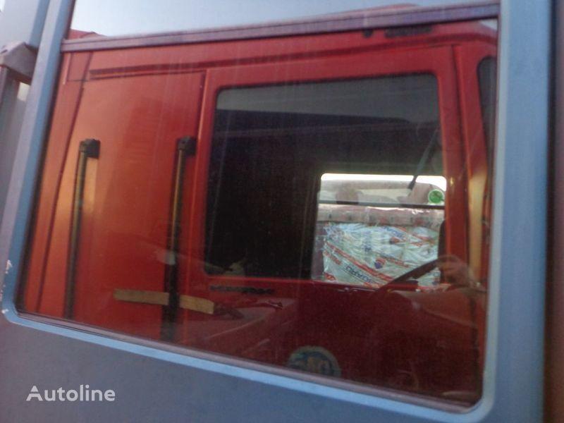 vetro RENAULT podemnoe per trattore stradale RENAULT Magnum